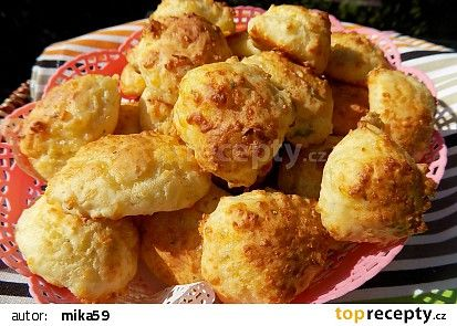 Bleskové sýrové bochánky recept - TopRecepty.cz