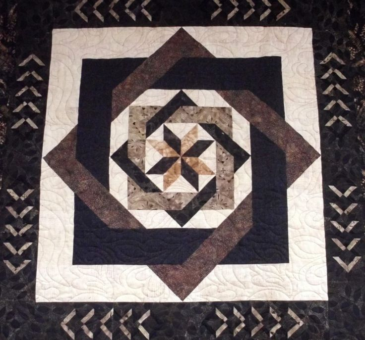 Labyrinth Quilt Pattern Free Download : Pin by Caroline NH on Quilts I need to make Pinterest