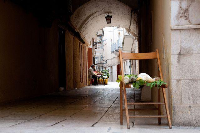 Piccola, ma pur sempre una bancarella ;) a Mola di #Bari by just_jeanette    Find out more pictures from Puglia here ;) http://www.flickr.com/groups/pugliaevents/pool