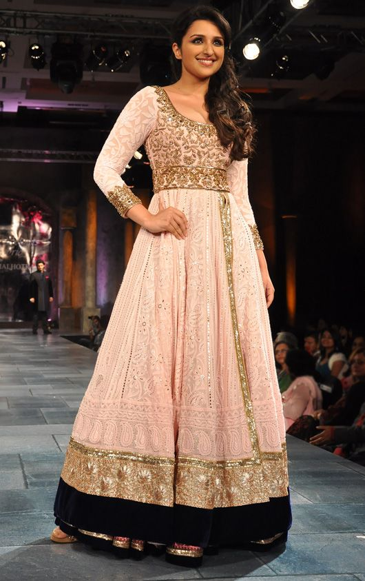 Parineeti Chopra in Manish Malhotra. Beautiful! Looks like a dress from the Renaissance era.