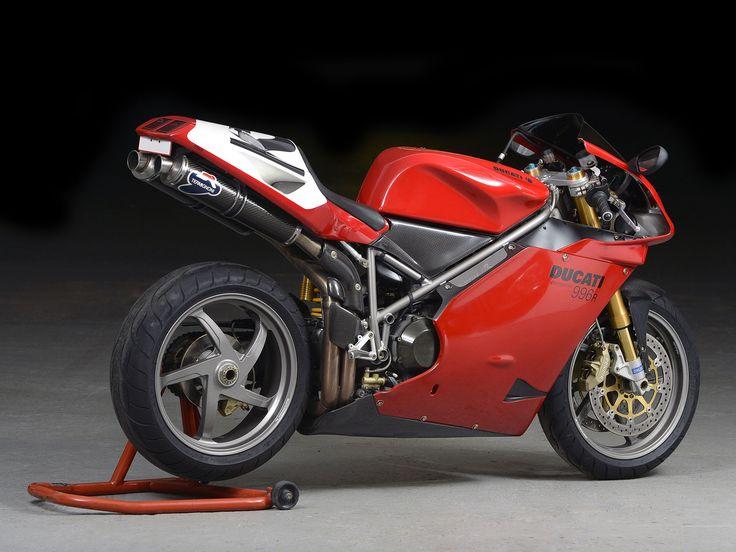 https://motorcyclehelmets.io/product-category/arai-helmets/arai-rx-7x/