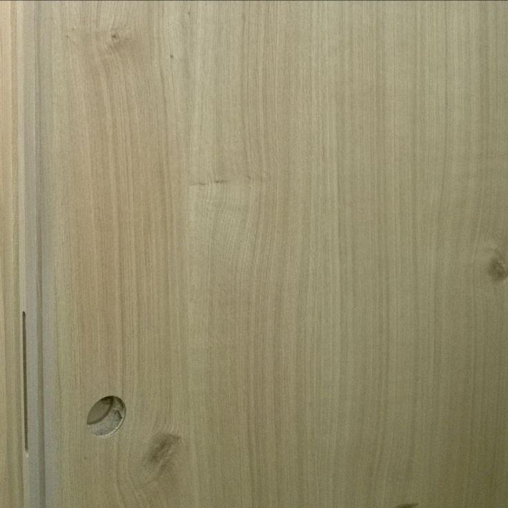 PRIMERA knotted oak sliding doorpanel