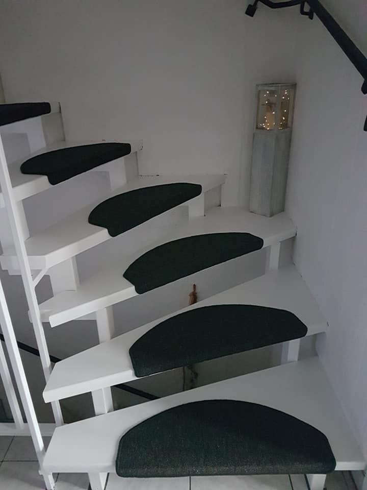 Stroke stairs with chalk paint – #stroke stairs Stroke stairs with chalk paint –