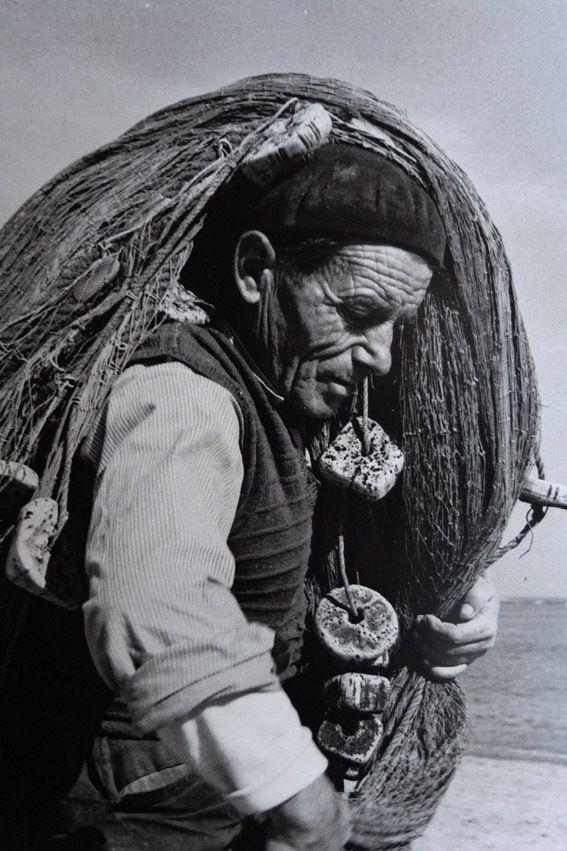 Pescador de la Éscala - Costa Brava - Gerona (Barcelona) 1953 - that's an authentic image