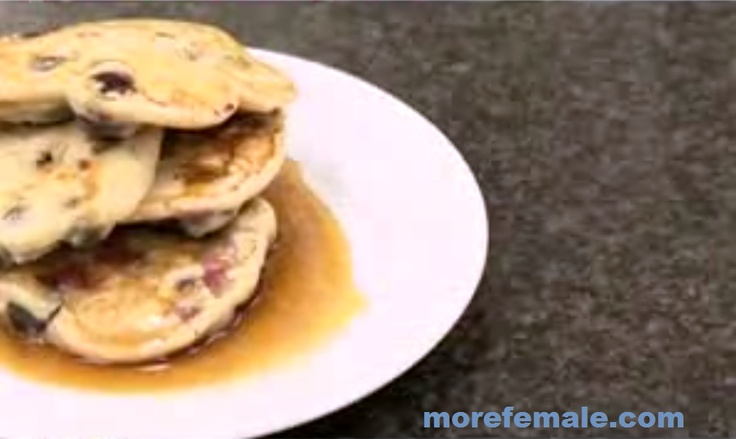 Blueberry Pancake Recipe, this recipe came from the Americas. Yes pancakes, snacks and suitable for breakfast in the morning full of energy for you. I also would like to try one of these pancakes processed, Blueberry Pancake recipe that will coab I share your remedy.