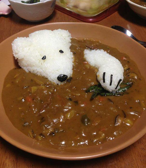 """新しいジャンル!""""かわ美味しそう""""な動物キャラクターの料理を紹介します! 1.猫がお魚を狙っているスープ 2.パンに挟まれて眠るネコ 3.カレーに群がるパンダ 4.おーいアルパカさん 5.カレー風呂に"""