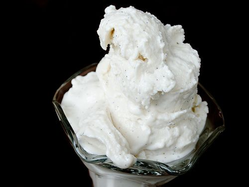 How to Make Mr. Softee-Style Soft ServeSoft Serve, Ice Cream Recipes, Soft Servings, Vanilla Beans, Softserve, Serious Eating, Icecream, Beans Soft, Softee Styl