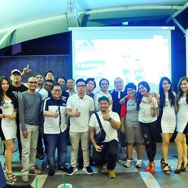 Keceriaan di akhir acara nobar f1 @cpr_id bersama @motovaganza @carvaganza  #f1 #f1grandprix #infonobar #nobarcpr #nobarf1 #cargloss #carglossgroup #carglossproriders #sahabatrio #rioharyantof1 #rioharyantoracing #azerbaijan