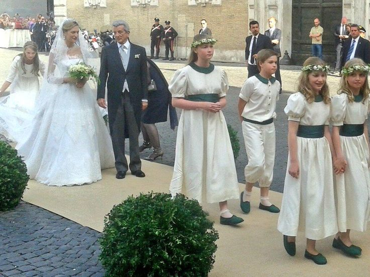 Wedding of Prince Amedeo of Belgium,Archiduke of Austria-Este with Elisabeth Rosboch More clear picture of the bridesmaids! Princess Elisabeth and Princess Louise in front and the girl behind Lili is Princess Luisa Maria (sister of Prince Joachim)