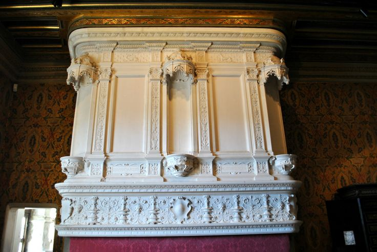 One of the best preserved Norman fireplaces in France can be seen at Chenonceau.  It is in a fantastic condition and beautifully intricate.