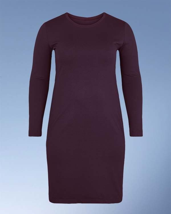 Curved kjole i kraftig og stabil jersey. Punto Roma holder faconen flot.