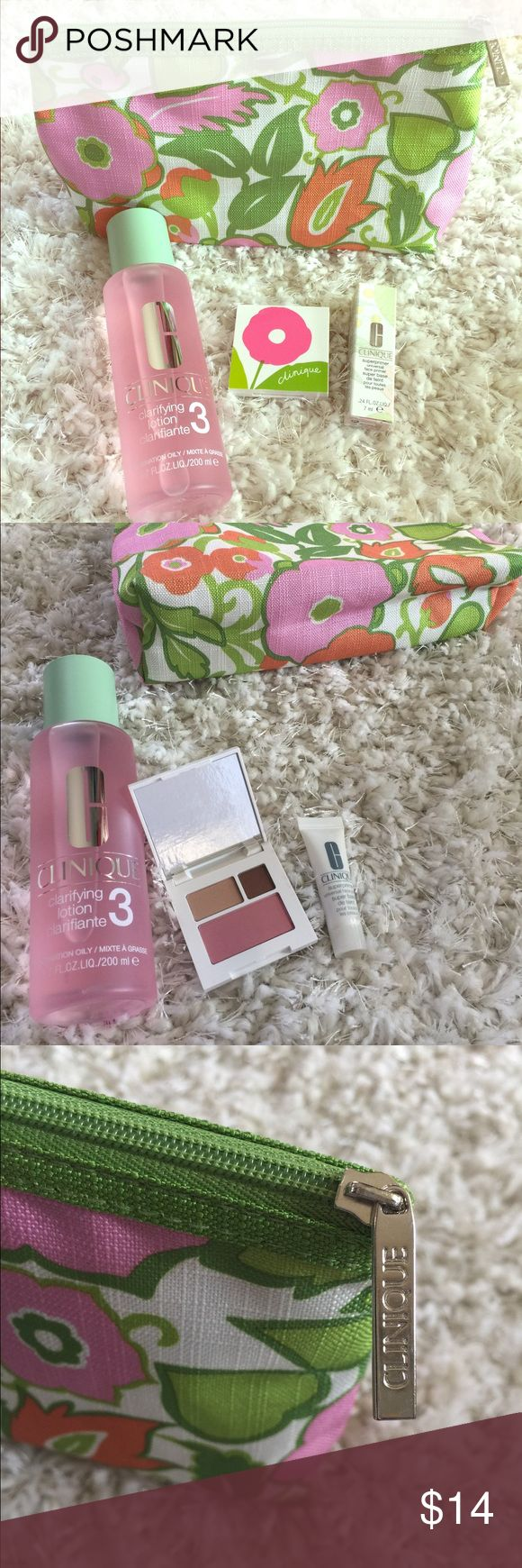 Clinique Set 💋🌸 Clinique travel makeup bag. 6.7 FL. OZ