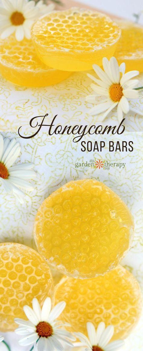 How to Make Gorgeous Honeycomb Soap Bars Easily at Home #handmadesoap #honeycomb #DIYsoap #meltandpour #honeysoap