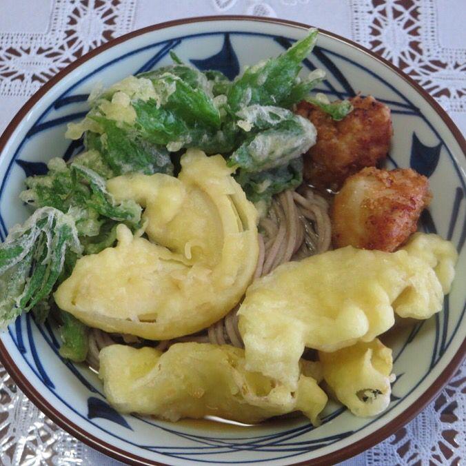 天ぷらそば(筍・しどけ・鶏の唐揚げ)