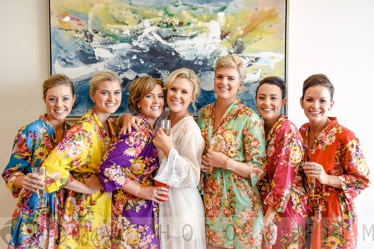 DejaVu Photo&Film - bright and happy! the bride and bridesmaids getting ready for the big event