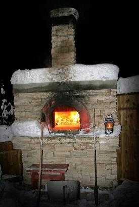 No better idea than a freshly baked pizza when you are at -30 C