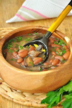 Ещё одно блюдо по рецептам ЖЖ. На этот раз фасолевый суп с грибами от Галиgalya1963 Очень вкусно, хочу я Вам сказать, хоть и без мяса))) Напишу, как готовила я:…