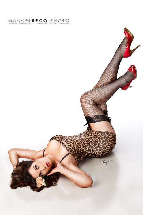 Classic pinup shot: Photography Woman Pinup, Classic Pinup, Pinup Outfits Ideas, Pinup Style, Pin Up Boudoir, Prints Pinup, Leopards Outfits, Leopards Prints, Pinup Shots