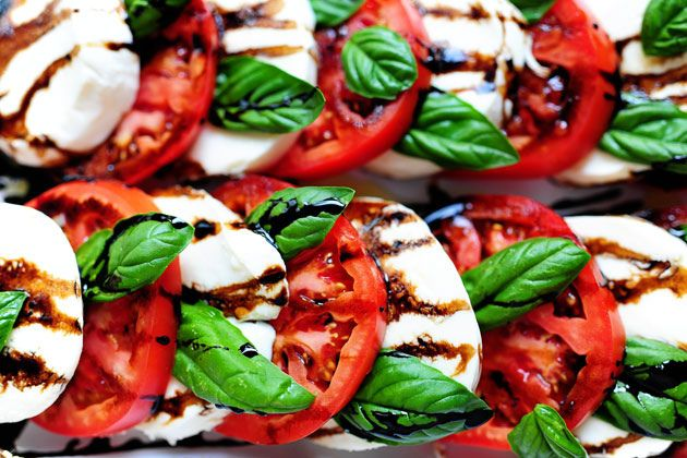 Caprese salad (with directions on how to make balsamic reduction, too) I love this picture also.