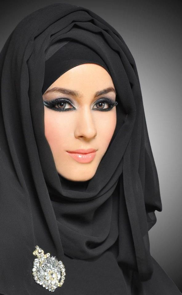 Chiffon Plain Black Hijab (FREE Head Band)