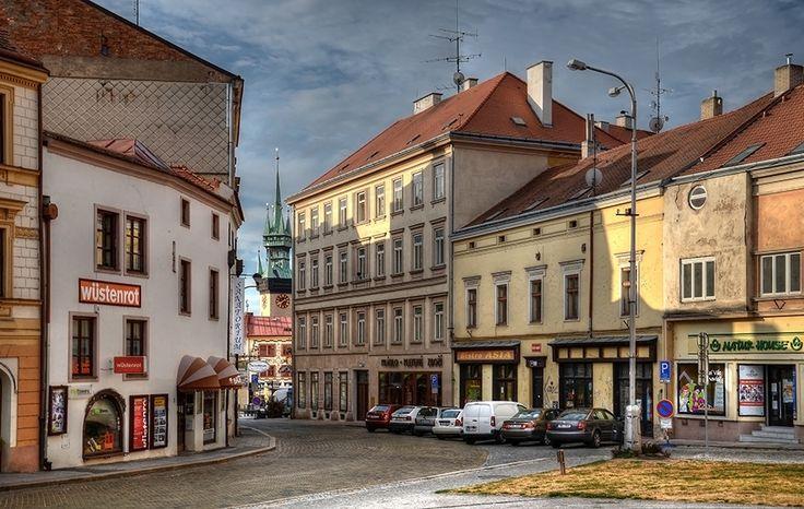 Pohled z Divišova náměstí na jih