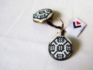 Kolczyki wiszące białe z haftem beskidzkim