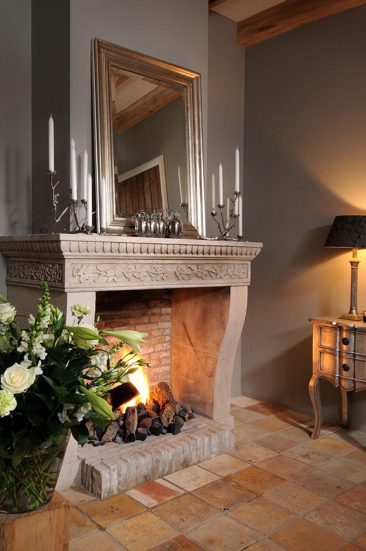antike geschnitze kamine antike franz sisch kalkstein. Black Bedroom Furniture Sets. Home Design Ideas