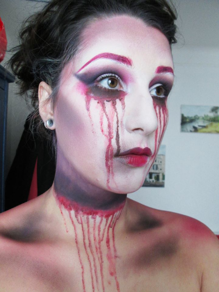 Bloody Mary inspired makeup  Makeup/Model: Agathe (Blush&Crush)  Trying a new vision of Bloody Mary ( after all halloween is right around the corner )  www.blushandcrush.com