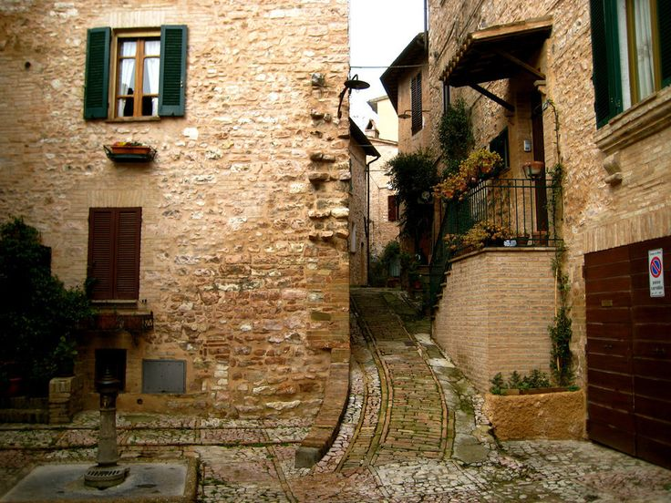 #Spello #Umbria #Italy, 28 Towns In Italy You Won't Believe Are Real Places