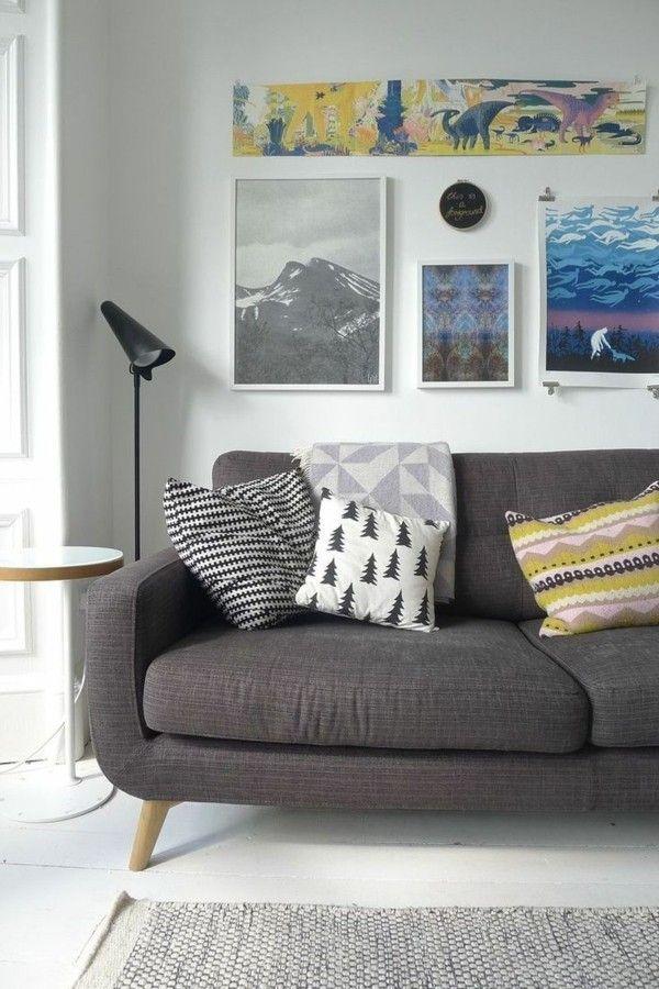 Zimmer Einrichten Dunkelgraues Sofa Farbige Dekokissen