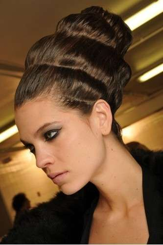 http://static.pourfemme.it/pfwww/fotogallery/843X0/25671/capelli-guy-laroche.jpg