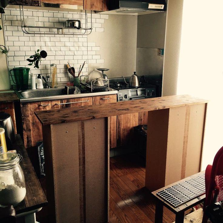 原状回復ok な賃貸インテリア ヘリンボーンのキッチンカウンターdiy カウンターキッチン Diy カラーボックス キッチンカウンター カウンター Diy
