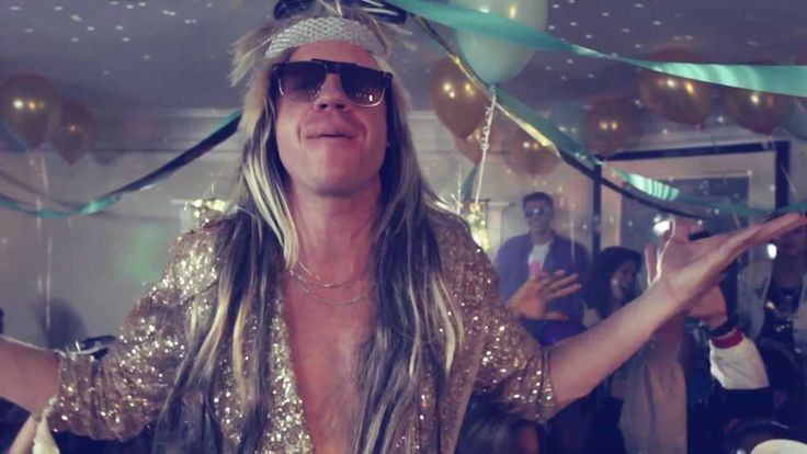 MACKLEMORE X RYAN LEWIS - AND WE DANCED [OFFICIAL VIDEO]
