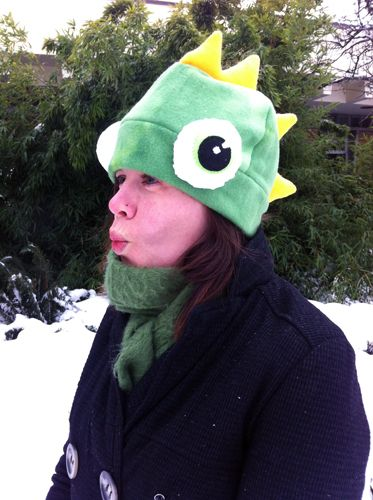 How to make a fleece hat (with or without the monster/dinosaur/creature on top) from tallystreasury.com/2012/01/bug-eyed-fleece-monster-hats/