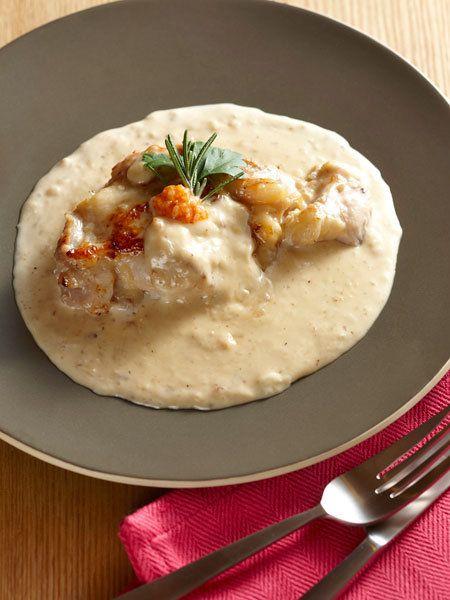 【ELLE a table】鶏もも肉の塩麹漬け とろりホワイトソースレシピ|エル・オンライン