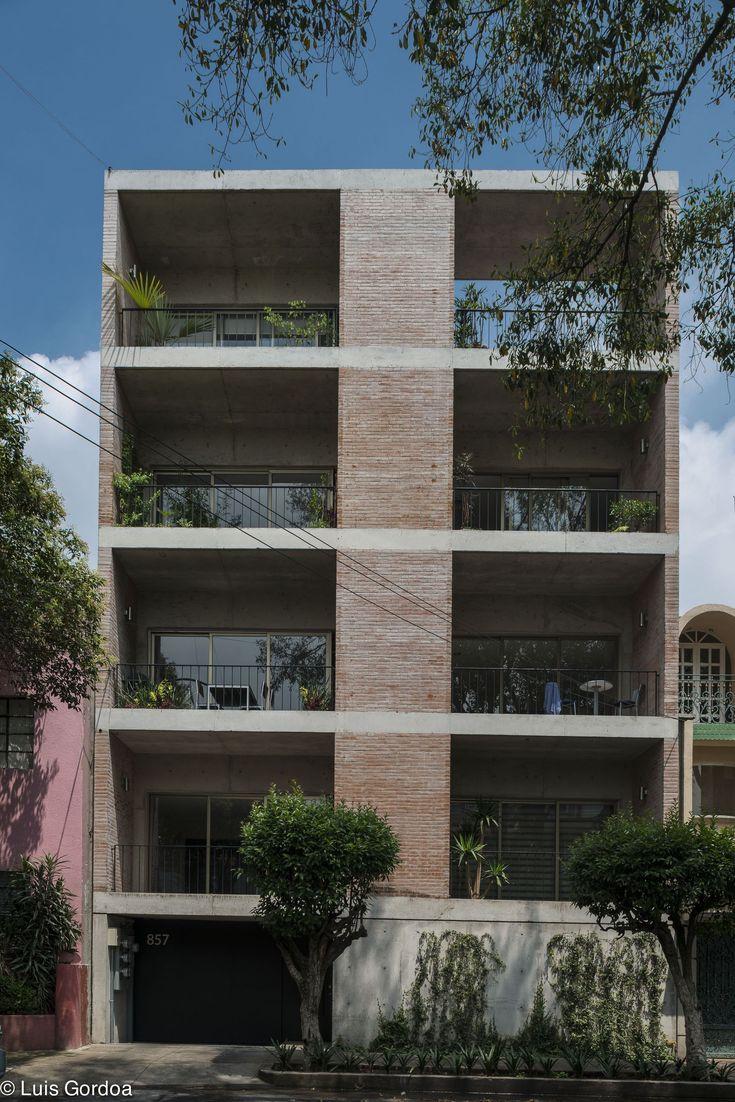 López Cotilla 857 / Taller Capital - exemplo fachada e planta baixa