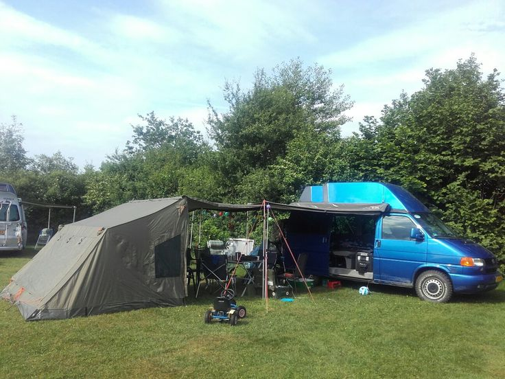 T4 Syncro with Rhino Rack OZtent Foxwing and RV5
