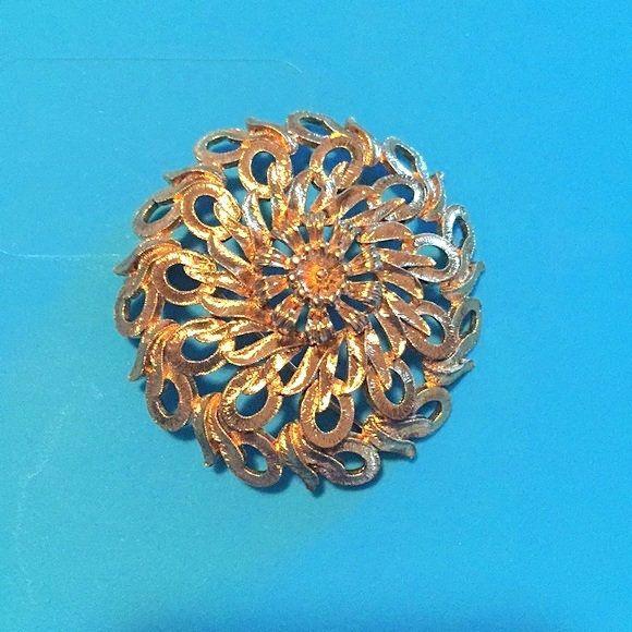 Monet mid century goldtone rose brooch