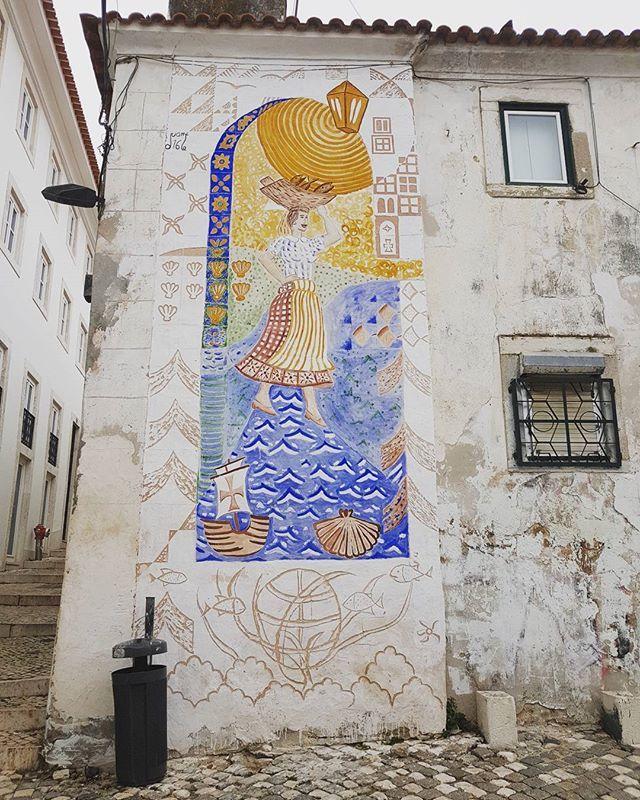 А когда надоест - возвращайся назад Гулять по воде... So don't be afraid to move Your faith is all it takes And you can walk on the water, too #natellatretyakova #actress #portugal #lisboa #lisbon #graffiti #streetart #art #urbanart #ilovelisbon #walls #travelgram #visitportugal #myphoto #brittnicole #travelphotography #igersportugal #portugal_lovers #traveling #trip #нателлатретьякова #португалия #лиссабон #наутилус #путешествие #моифотографии #граффити #арт #артобъект #стритарт