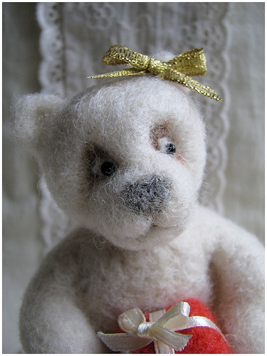 by gnilp, via Flickr: Photo, Needlefelt