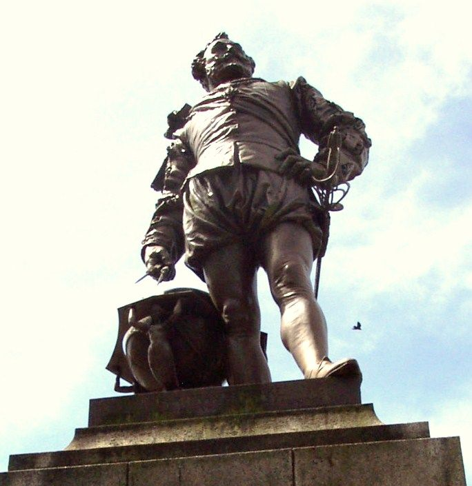 In 1542 Tavistock's most famous son was born at a farm at Crowndale just downstream on the Tavy - he was to become Sir Francis Drake.  http://yourguidetotavistock.co.uk/local-tavistock-information/sir-francis-drake/