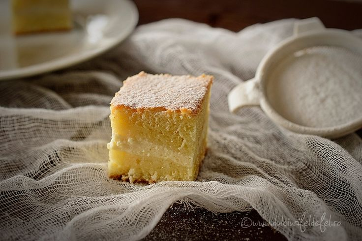Prajitura turnata cu branza este una dintre acele prajituri de casa la care apelez destul de des. Se pregateste rapid, e gustoasa si e pe placul copiilor.