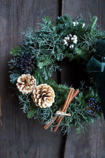 盛岡のNAGASAWA COFFEE さんで開催中の 「クリスマスの小さな古雑貨展」、明日からの3日間はリースやBric-a-Brac×SiberiaCa...