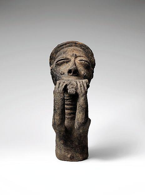Anyi Mma (Hornblower Ancestor Memorial Figure), Ghana http://www.imodara.com/post/106441508434/ghana-akan-mma-ancestor-memorial-figure