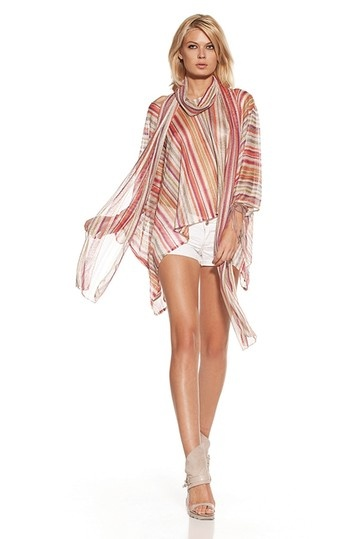 ALEXIS     Roslyn Squared Poncho