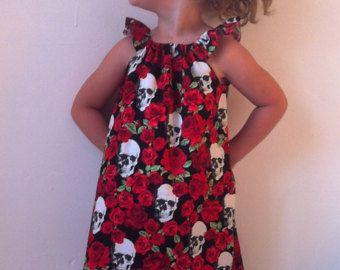 cráneos de las niñas vestido, vestidos de calavera, goth girl, baby goth, calaveras y rosas, niño, niños día alternativa, ropa, de los muertos, halloween