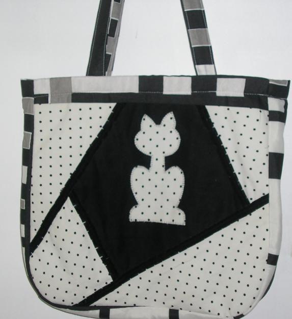 fotos bolsas artesanais em tecido