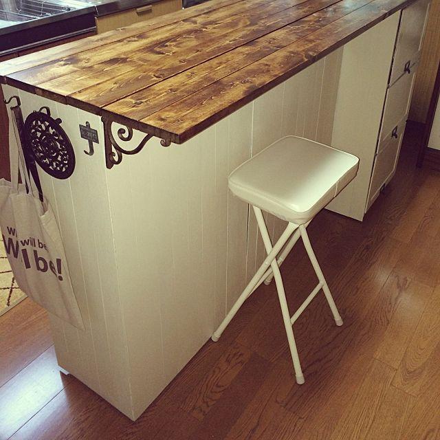 机を簡単にdiyできる 棚の上に板をのせるアイデア10選 キッチンカウンター おしゃれ カウンターキッチン Diy カラーボックス インテリア