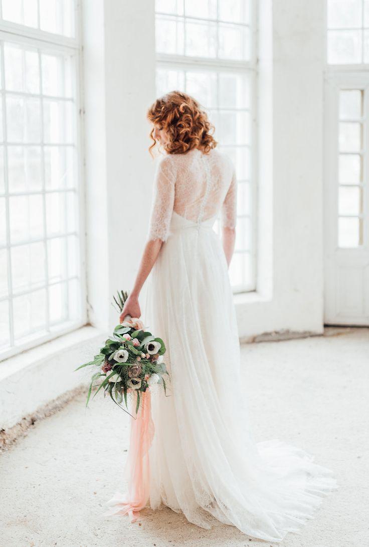 Dress: Faith by Heidi Tuisku, Photos: DMK Photography, Assistant: Claudia Kisiel, MUAH: Emma Nikkanen, Flowers: Kukkapalvelu Freesi, Model: Leena