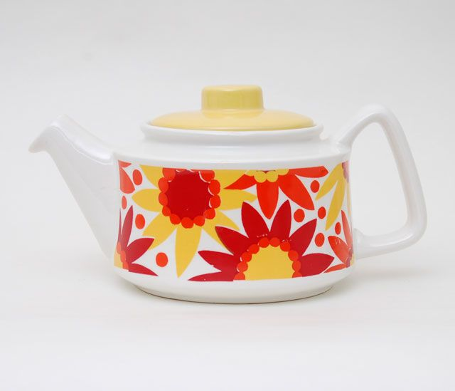 Glory teapot by Inger Waage
